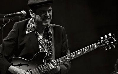 Juan Perro actúa en el festival Música al Castell de Dénia el 19